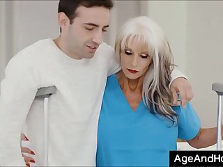 Injured patient fucked by old Nurse