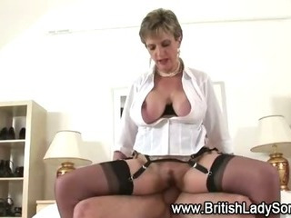 Mature stocking brit Sonia fuck and facial